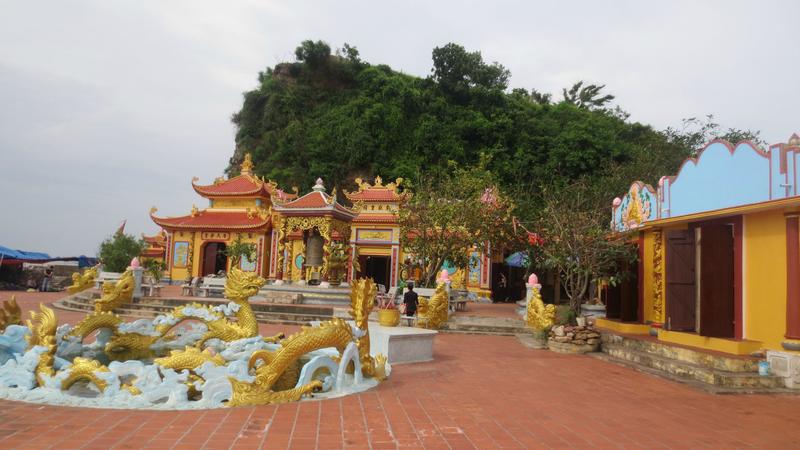 Đền Vạn Ngang Hải Phòng